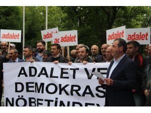 CHP Ardahan teşkilatı mensupları oturma eylemi yaptı