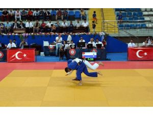 Yeşil-beyazlı judocudan Türkiye Şampiyonluğu