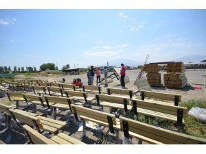 Iğdır'a yeni park ve bahçe ekipmanları