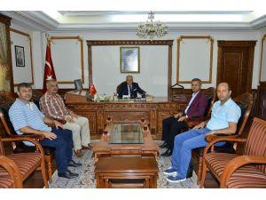 Kırşehir Belediyespor yönetimi Vali Şentürk'ü ziyaret etti