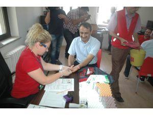 Afyonkarahisar'da gazetecilerden örnek davranış