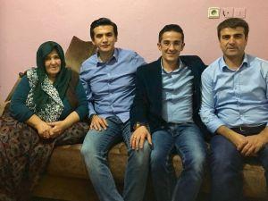 AK Gençler 200 yaşlı vatandaşı ziyaret etti