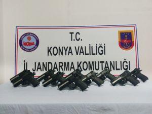 Konya'da kurusıkıdan gerçeğe dönüştürülen 10 tabanca ele geçirildi