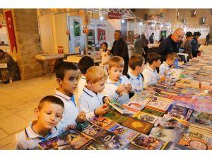 Edirne Kitap Fuarı'na öğrencilerden yoğun ilgi