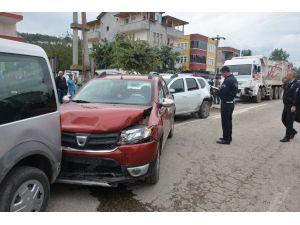 Fatsa'da zincirleme trafik kazası: 6 yaralı