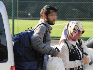 Hemşire anne ile öğrenci oğluna ByLock gözaltısı