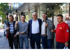 EZO'dan zeytin üreticisine destek
