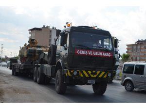 Suriye sınırına askeri araç sevkıyatı devam ediyor