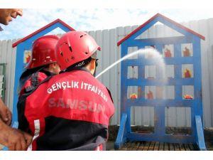 Samsun'da minikler 1 günlüğüne itfaiyeci oldu