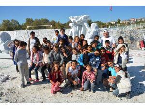 Roman çocuklar heykeltıraşlarla buluştu