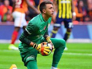 Galatasaray'da Fenerbahçe ile en çok Selçuk ve Muslera karşılaştı