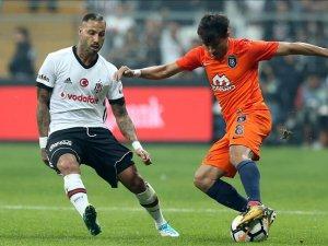 Beşiktaş evinde Medipol Başakşehir ile berabere kaldı
