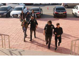 Torbacılar tutuklandı