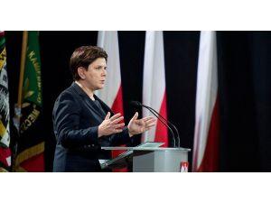 Polonya Başbakanı Beata Szydlo istifa etti