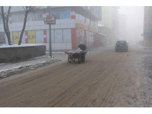 Ağrı'da soğuk hava ve sis etkili oluyor