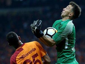 Galatasaray'da Muslera'nın performansı düşüşte