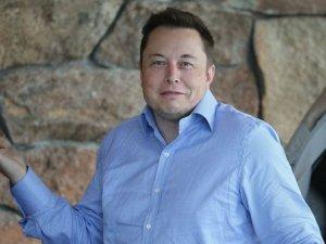 Elon Musk telefon numarasını Twitter'dan 16 milyon takipçisiyle paylaştı