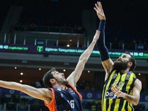 Fenerbahçe Doğuş, İspanya'dan zaferle döndü