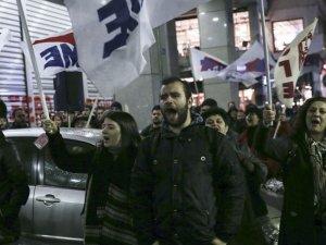 Yunanistan'da işçi sendikaları 24 saatlik grev ilan etti