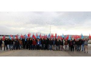 Denizli'deki metal işçilerinden 'zam' eylemi
