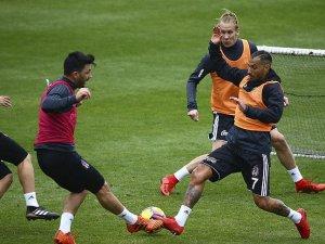 Sezonun ikinci yarısına Antalya'da yaptığı kampla hazırlanan Beşiktaş, İstanbul'a gitti.