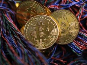Bitcoin bir saatte eridi