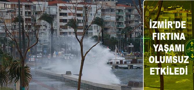 İzmir'de fırtına yaşamı olumsuz etkiledi