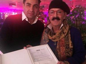 Ünlü modacı Cemil İpekçi vücudunu sigortalattı
