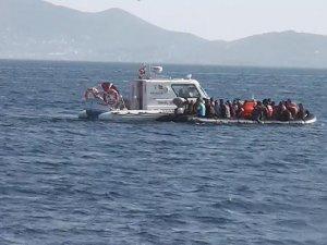 Balıkesir'de 17 kaçak göçmen yakalandı