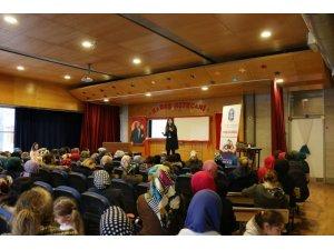 Velilerden 'Aile İçi İletişim ve Ergenle İletişim' seminerine yoğun ilgi