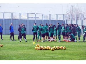 Bursaspor, Galatarasay maçı öncesi moral depoladı