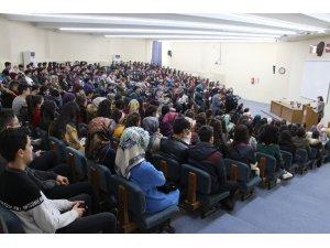 """FÜ'de """"Bilimde Kadın"""" paneli"""