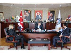 Okul Aile Birliği yönetimi Başkan Yemenici'yi ziyaret etti