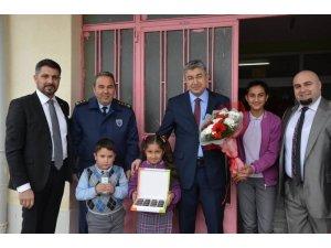 """Nasreddin Hoca Ortaokulu'nda """"İngilizce Dil Sınıfı"""" kuruldu"""