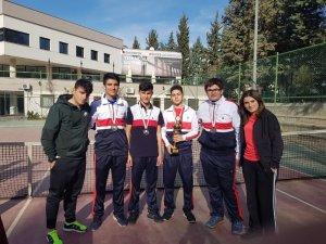 SANKO okullarının tenis takımı il ikincisi oldu