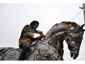 Ataşehir'de hurda heykel sergisi