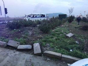 Manisa'da işçi servisi takla attı: 12 yaralı