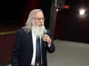 """Prof. Dr. Ethem Derman: """"Uzaylıları ancak, bu işten ekonomik kazanç sağlayan üç kağıtçılar görüyor"""""""