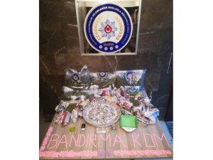 Polisten kaçan uyuşturucu satıcıları yakalandı