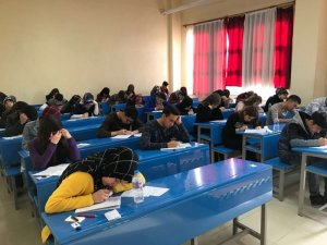 Gazi Emet Anadolu Lisesi öğrencileri üniversiteye hazırlanıyor