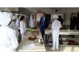 İl Milli Eğitim Müdürü Tevke'den okul ziyaretleri