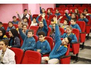 Öğrenciler su ile ilgili sorularını SASKİ uzmanlarına sordu