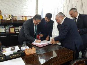 Tomarza Belediyesinde toplu iş sözleşmesi imzalandı
