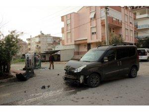 Manavgat'ta trafik kazası güvenlik kamerasına yansıdı