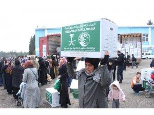 Suriyeli ailelere kışlık malzeme dağıtıldı