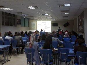 Üniversite öğrencilerine tütünle mücadele semineri