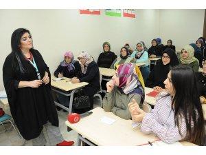 Nezaket ve Zarafet Eğitimi'ne kadınlardan yoğun ilgi
