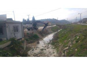 Aşağıçobanisa'da dere temizliği başladı