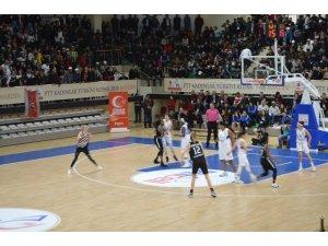 Hatay Büyükşehir Belediyesi Beşiktaş'ı geçerek yarı finale yükseldi