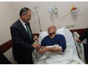 Özhaseki'den saldırıya uğrayan belediye başkanına ziyaret